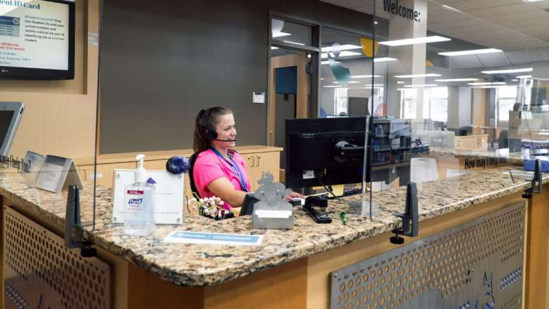 IT Help Desk in the Timberwolf Learning Commons