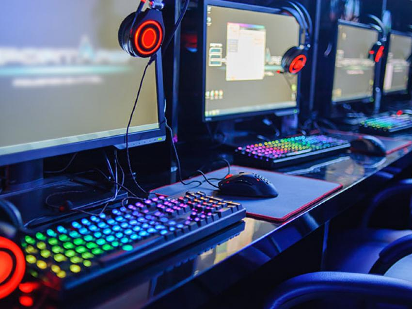 esports Gaming Machines Feature Image